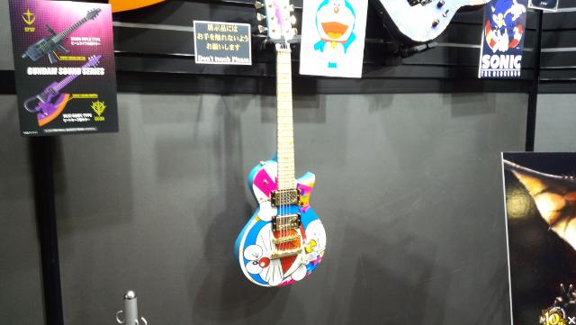 ドラえもんミニギター